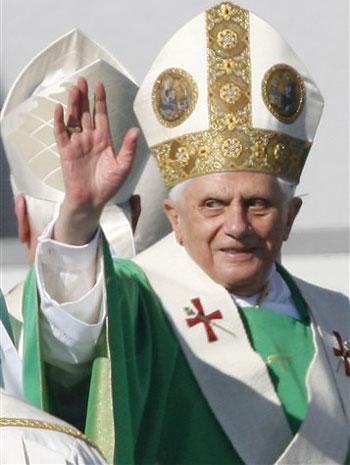Pope must examine teaching on celibacy, says Evangelical leader