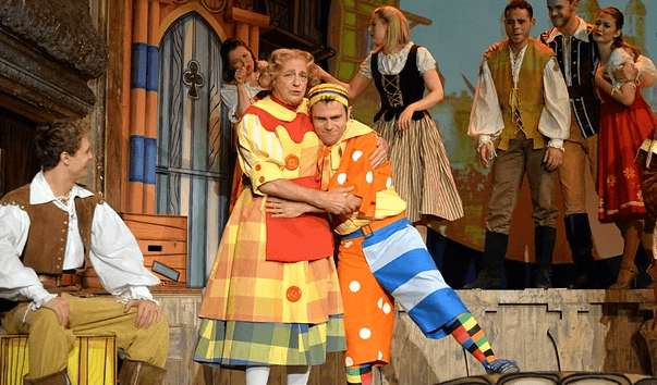Review: A good old-fashioned panto