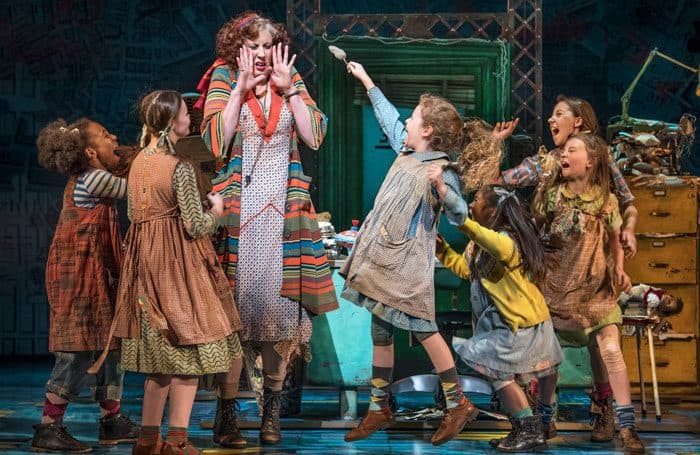 New musical Annie featuring TV's Miranda has lots of Hart