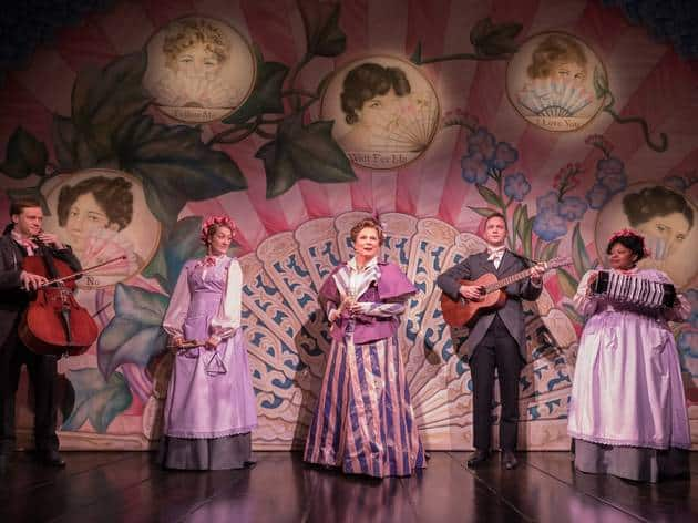 Review: Jennifer Saunders returns to the theatre in amusing Oscar Wilde's Lady Windermere's Fan