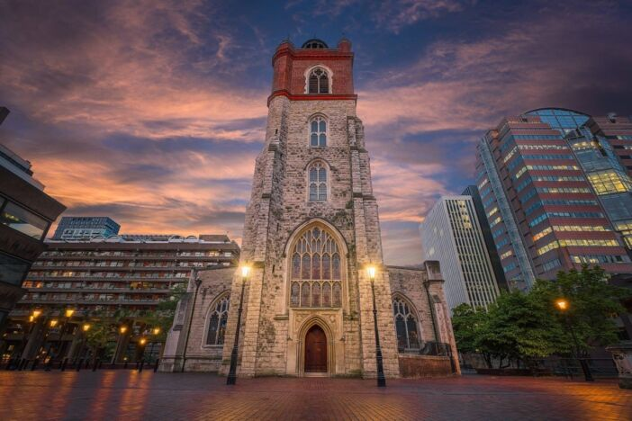 Churchgoing: comparing city and rural attendance