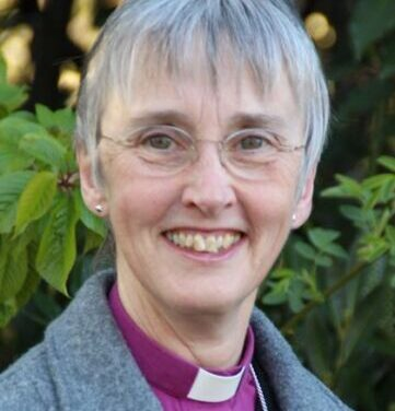 Bishop of Hull to retire